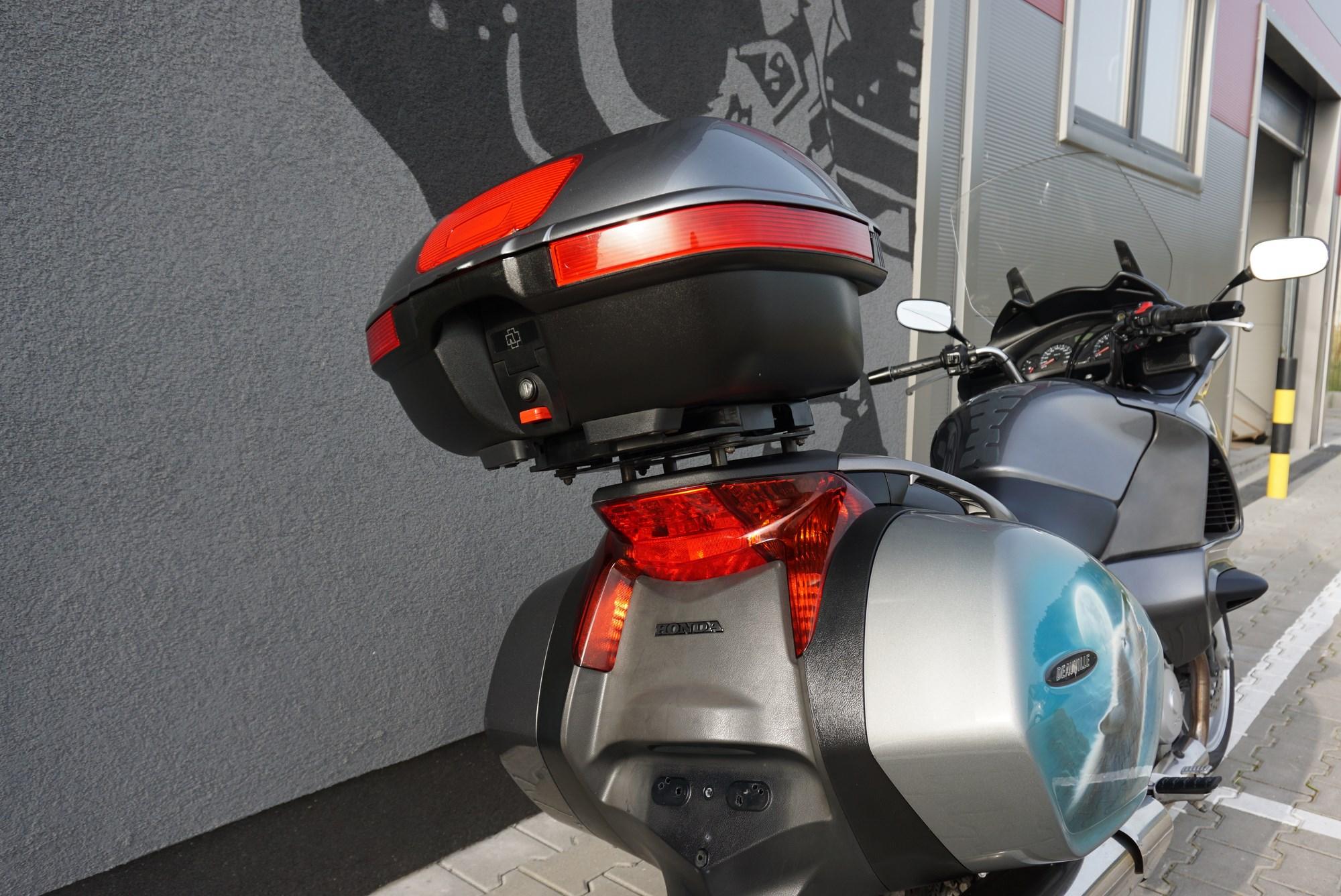 Honda NTV 700 Deauville