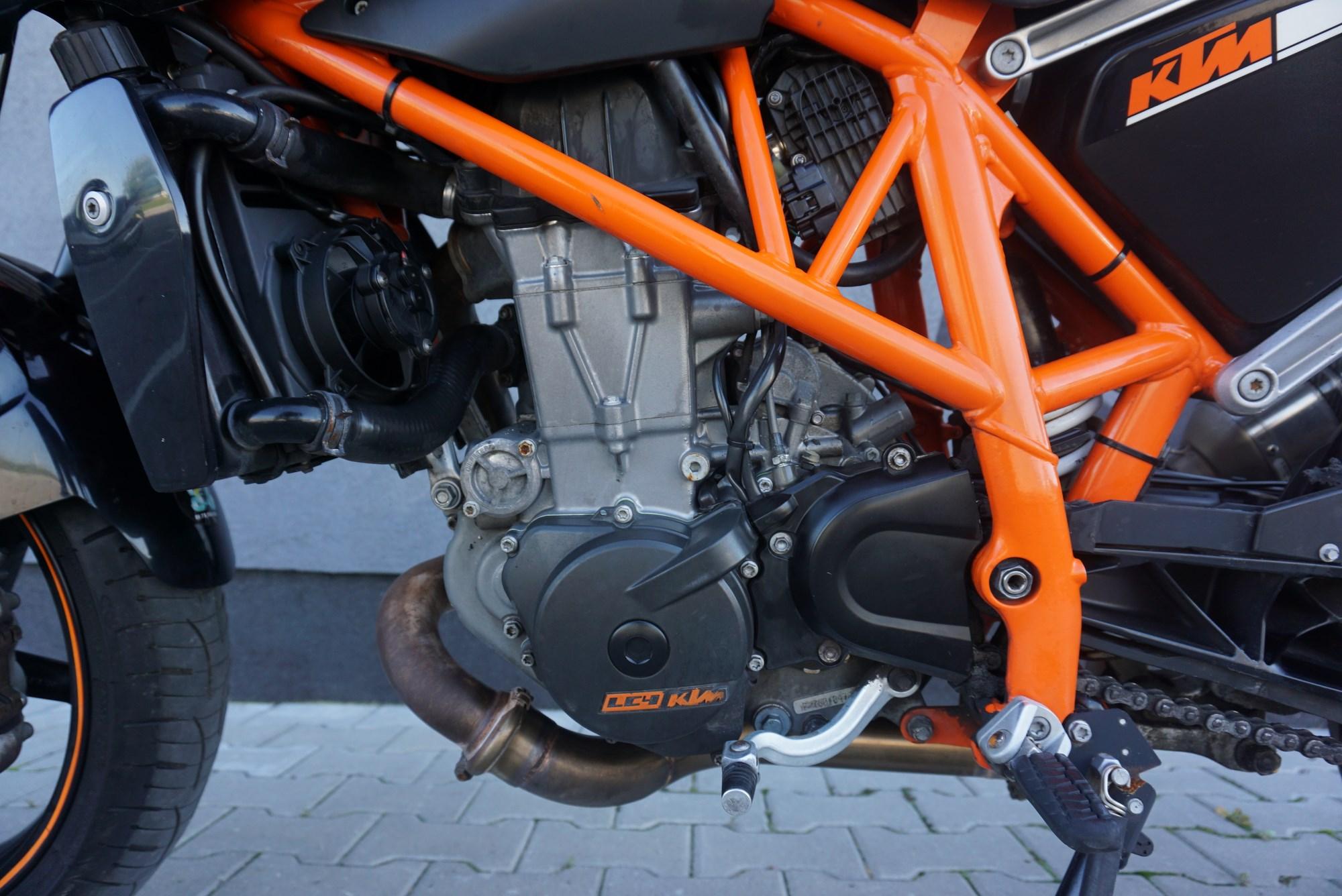 KTM Duke 690